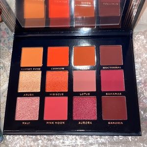 ACE BEAUTE - EYESHADOW PALETTE